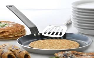 Какая сковорода для блинов лучше: чугунная, алюминиевая или керамическая