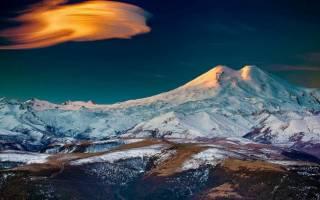 10 самых высоких гор в России